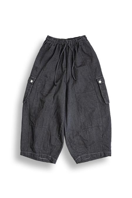 DARENIMO[다레니모]Garments Dyeing Herringbone Balloon Pants