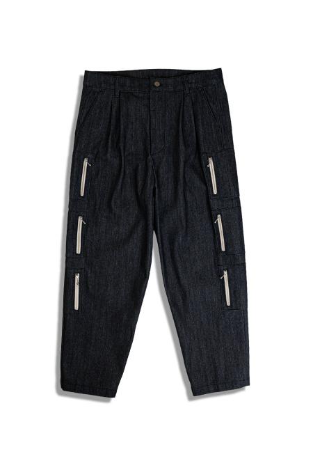 DARENIMO[다레니모]LOVE Embroidery Denim Pants