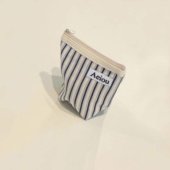Aeiou Basic Pouch (M size) Merry Navy Stripe