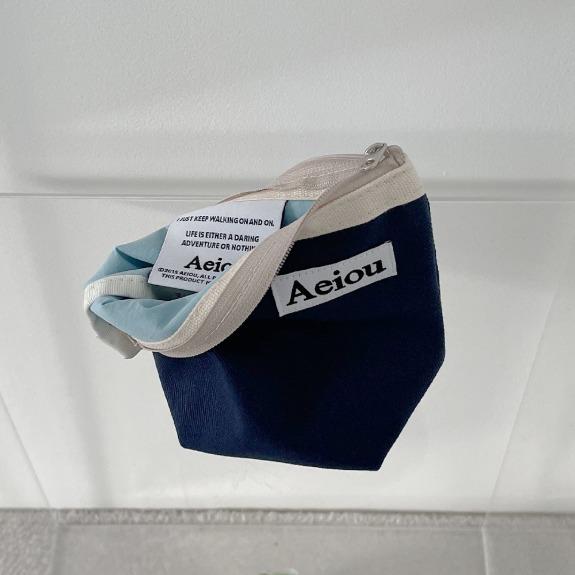 Aeiou Basic Pouch (M size)Indigo blue