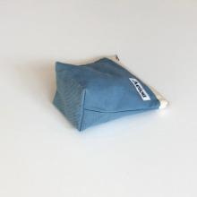 Aeiou Basic Pouch (M size)Cotton Blue