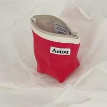 Aeiou Basic Pouch (M size) Red Radish