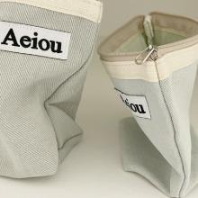 Aeiou Basic Pouch (M size) Mint grey stone
