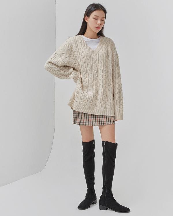 thick twist v-neck wool knit