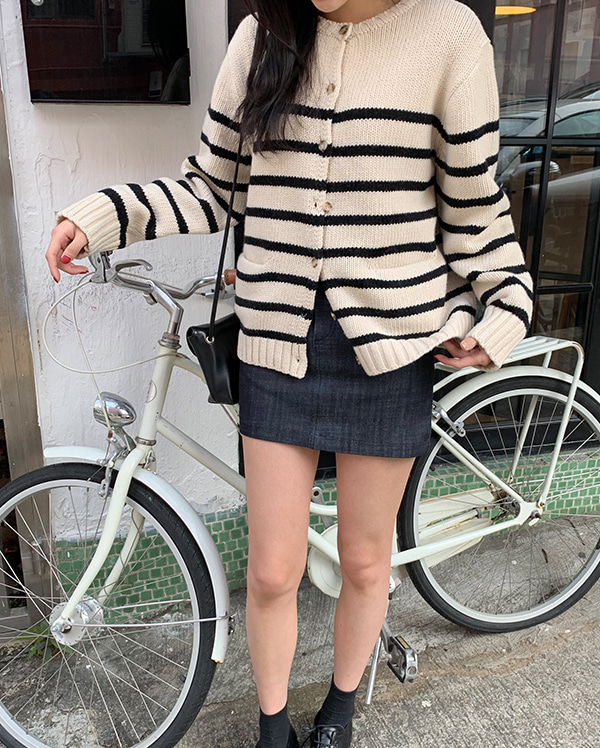 work mini denim skirts (s, m)