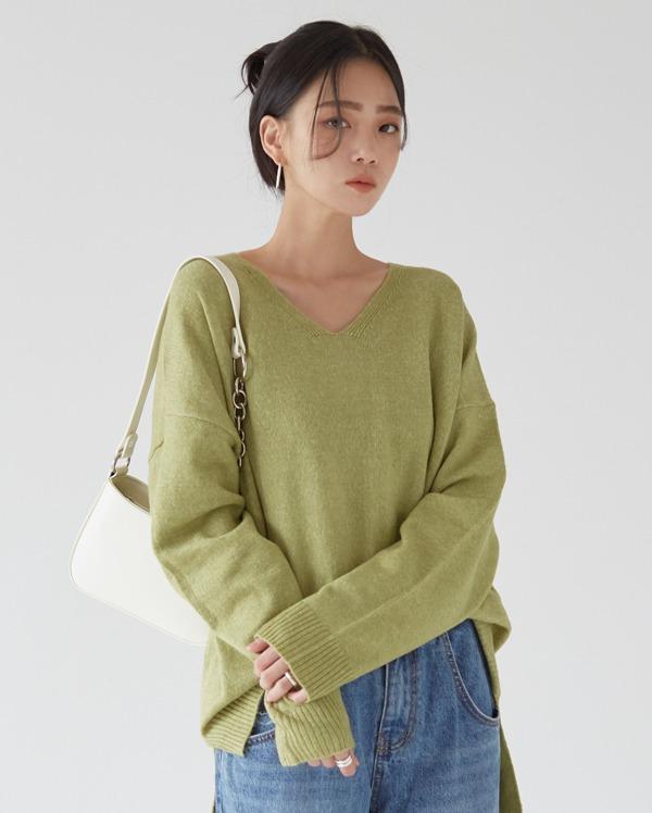 secret wool v neck knit