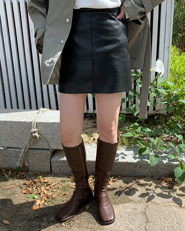 artificial leather skirt (s, m)