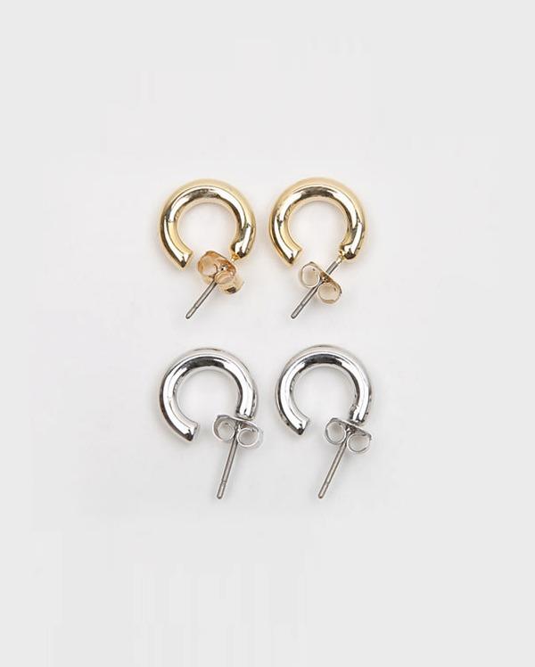 basic mini hoop earring
