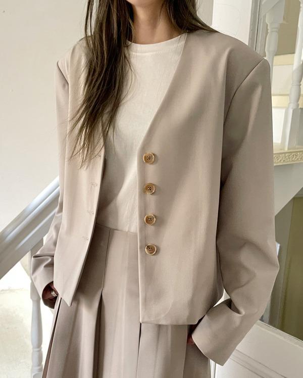 roha v-neck jacket