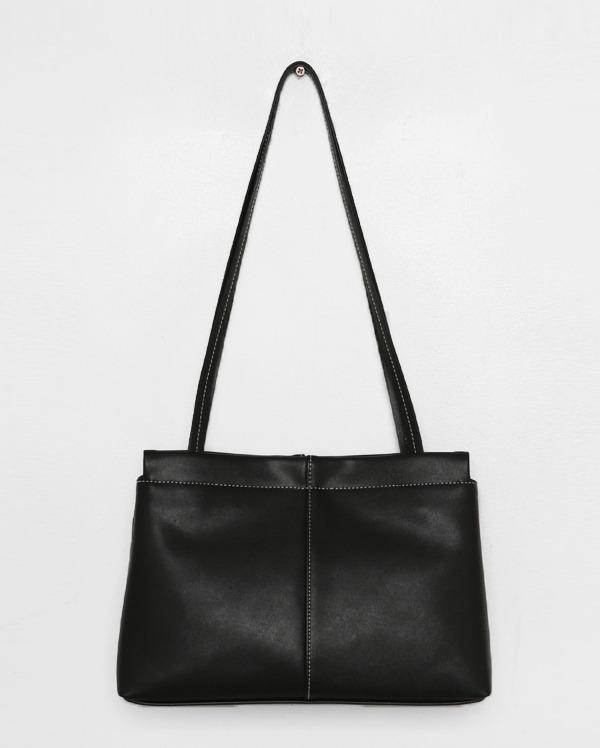 charming line shoulder bag