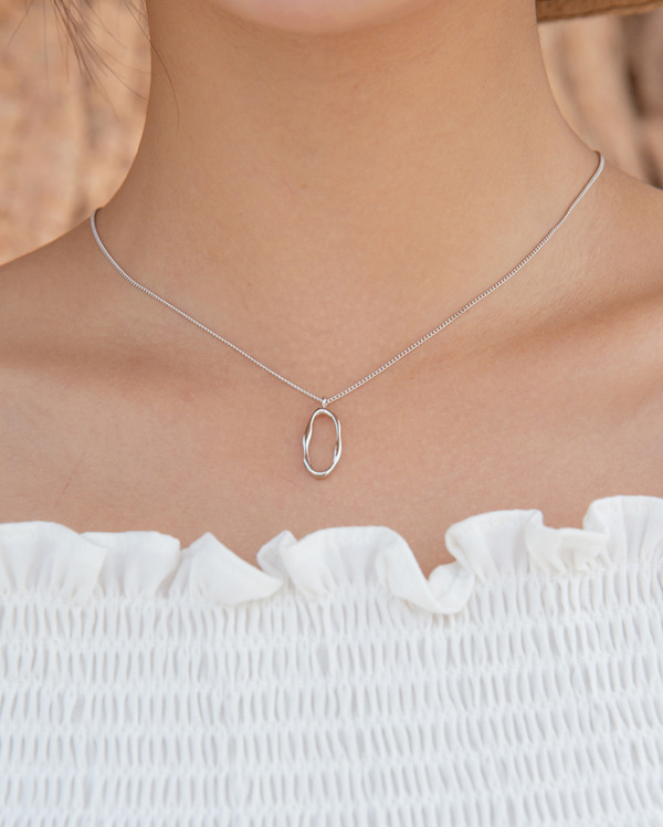 day oval necklace