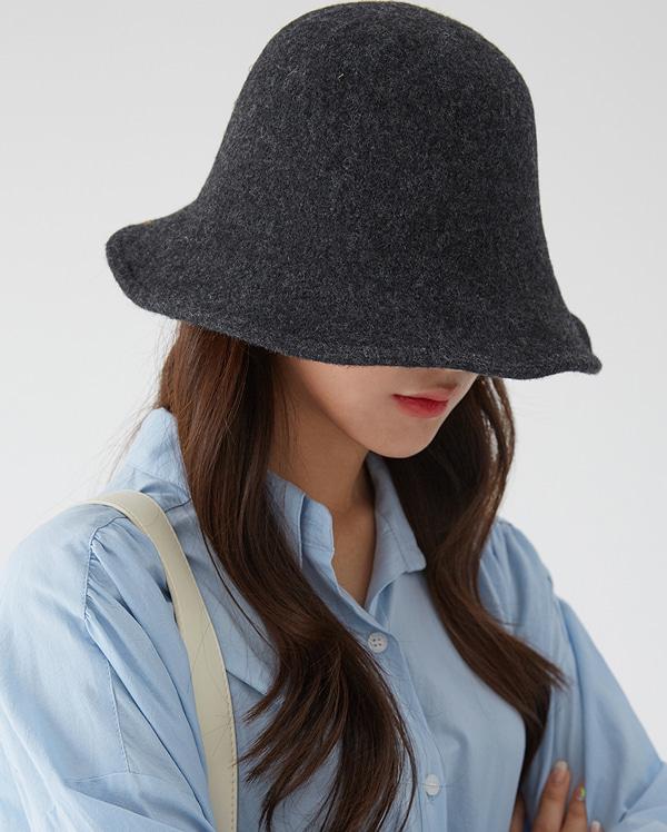graceful wool hat