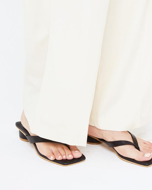 sensible heel flip flop