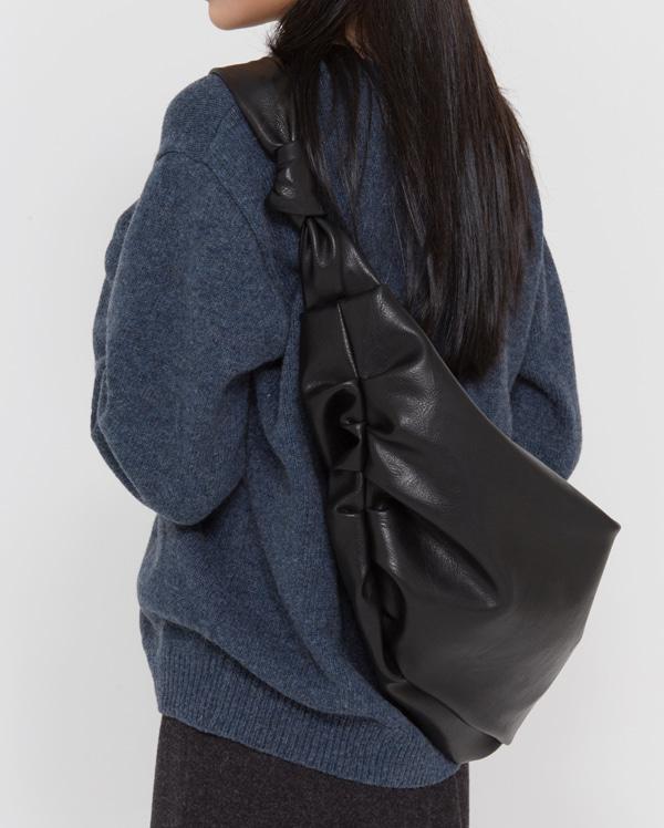 classic cross shirring bag