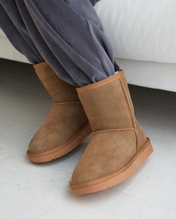 modern ugg boots (225-250)