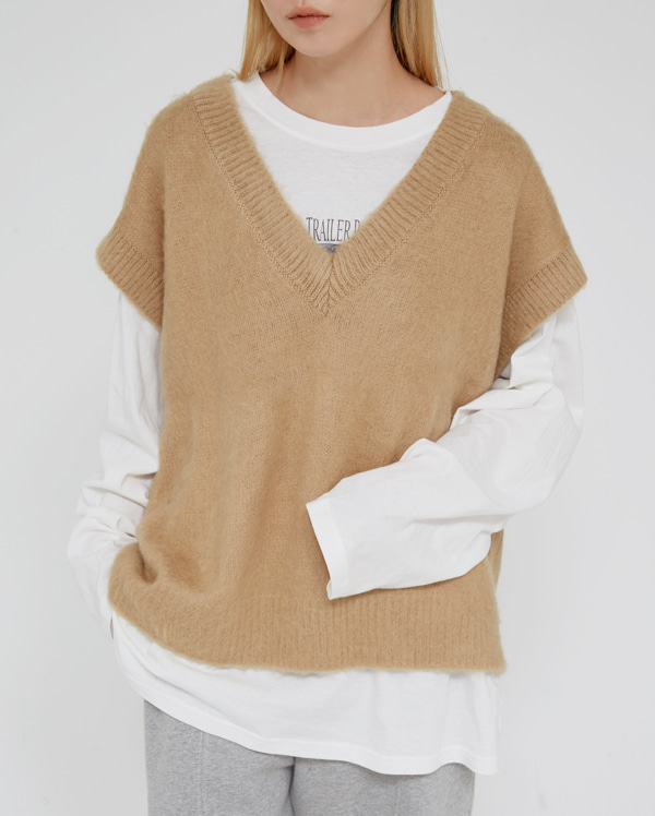 brush v-neck vest
