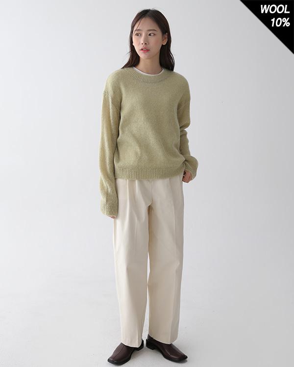 light wool round knit