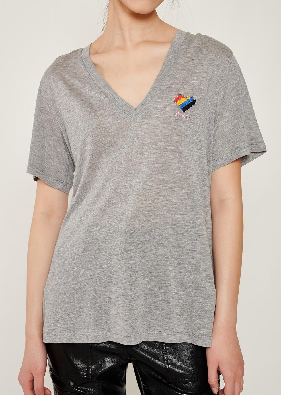 Gray Aimons Heart Symbol Embroidery V-Neck T-Shirts - 에몽 공식스토어  aimons