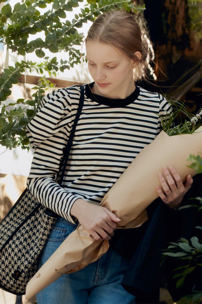 [조이 착용]SSANGMUN Puffed long sleeve T-shirt (Black stripe)