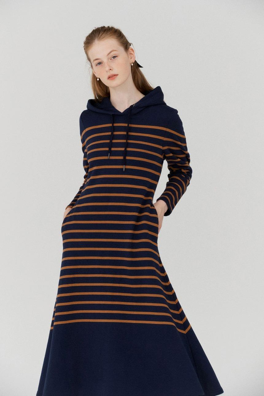 [김나영착용]WOLGOT Hoddie maxi stripe dress (Navy&Camel)
