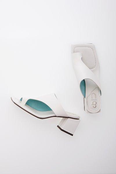 HIGHLAND PARK sandals (Off white)