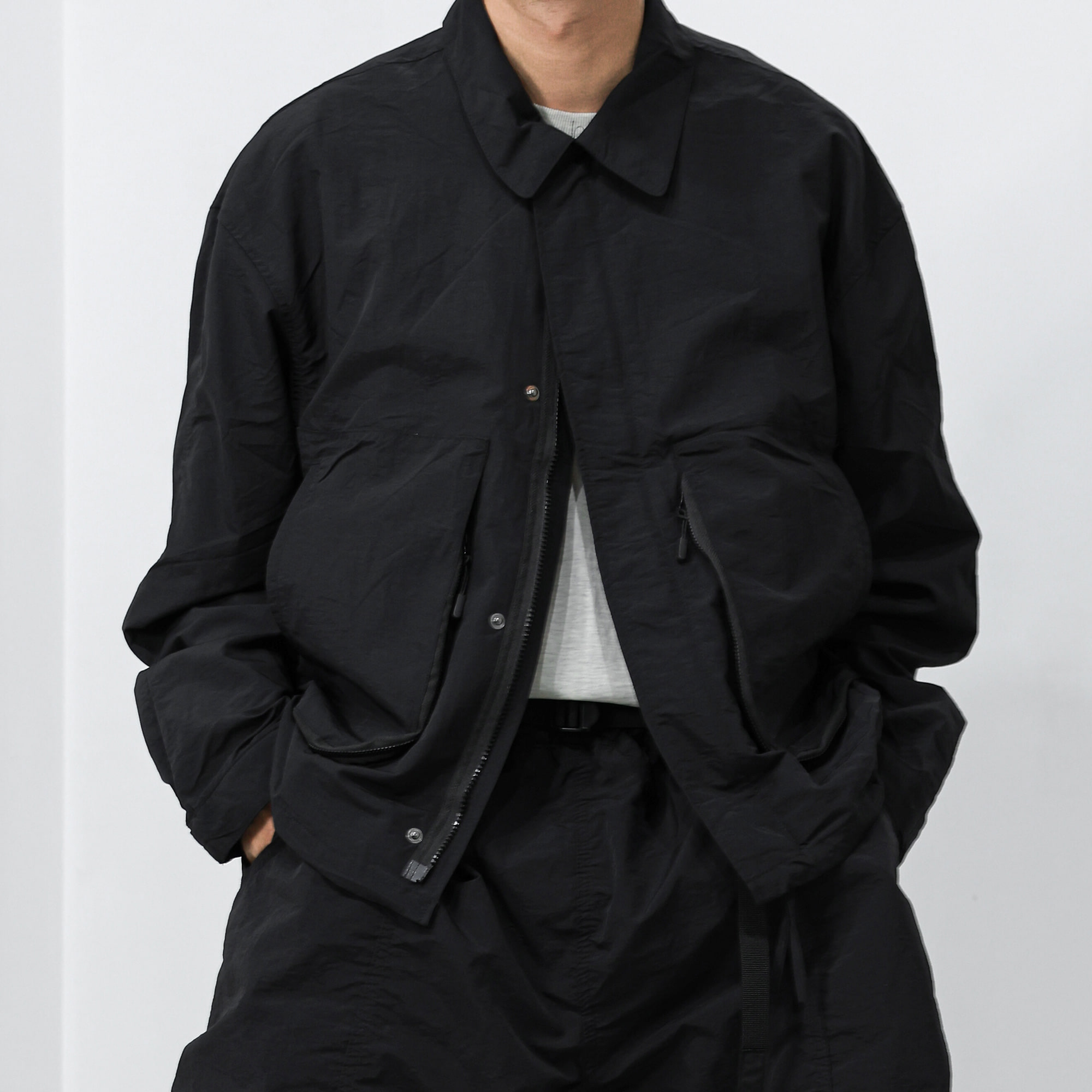 Two-way Solid Pocket Nylon Jacket - Black