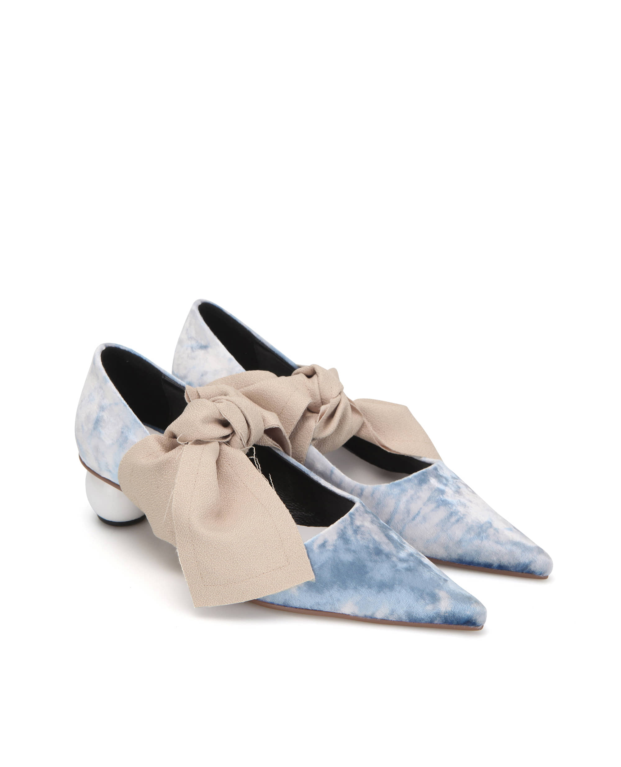 Flat apartment, mid heels, pumps, flat apartment shoes, shoes, pointed toe shoes, kitten heels, 플랫아파트먼트, 펌프스, 미드힐, 키튼힐