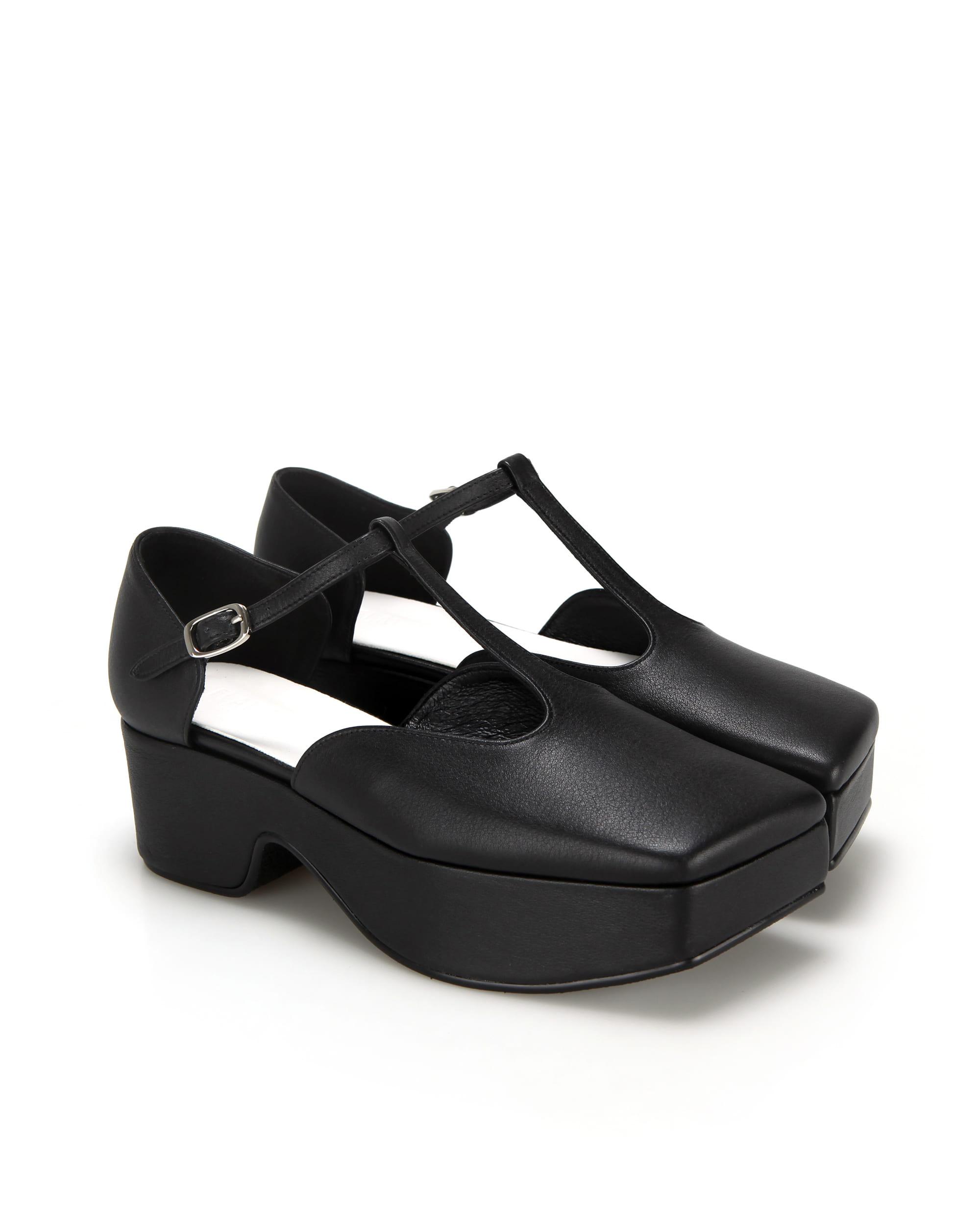 Squared toe T-strap mary jane platforms | Black