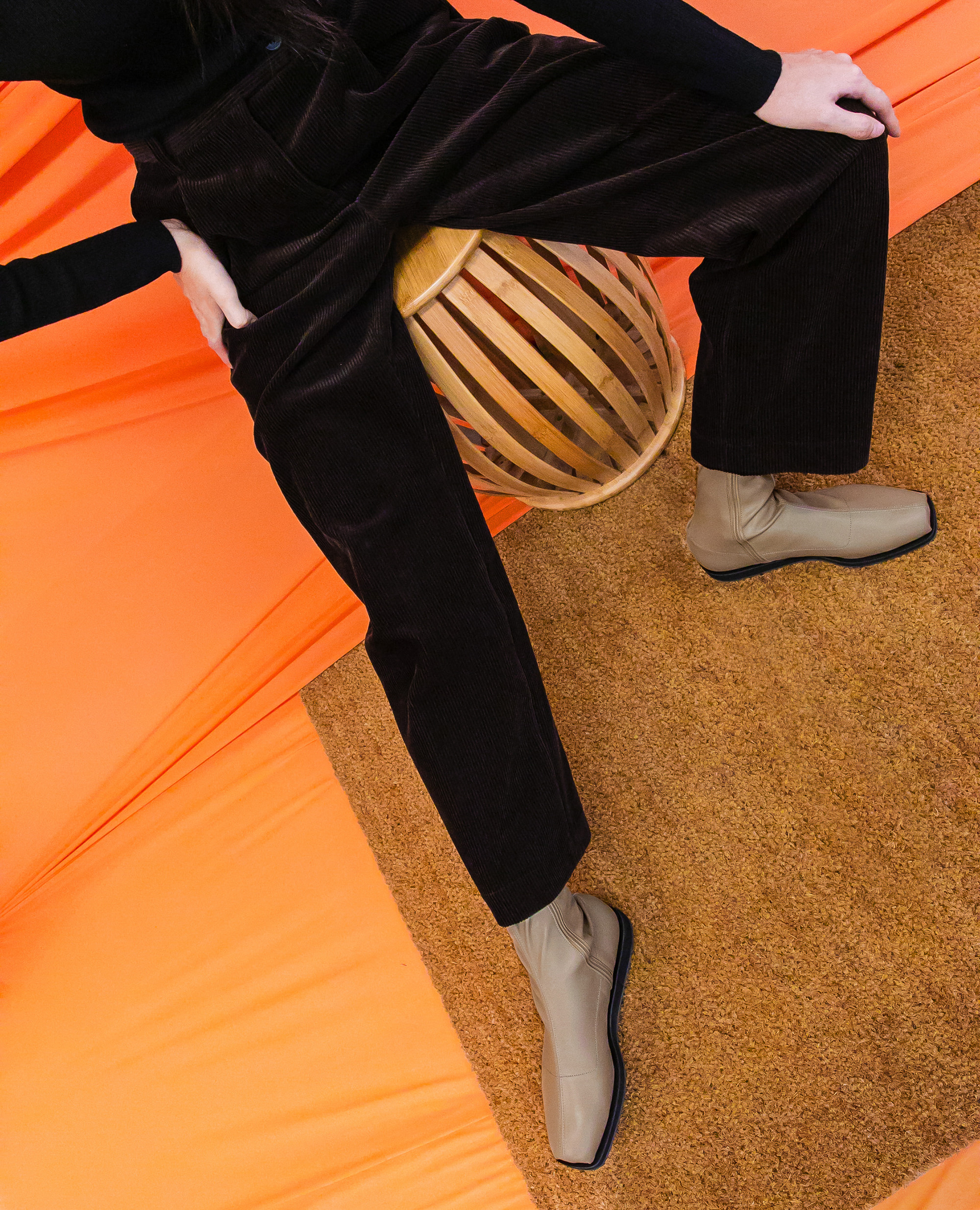 플랫아파트먼트써클, 앵클부츠, 미드힐부츠, 비건레더, 삭스부츠, 통굽부츠, flat apartment circle, ankle boots, sock boots, vegan leather, platform boots