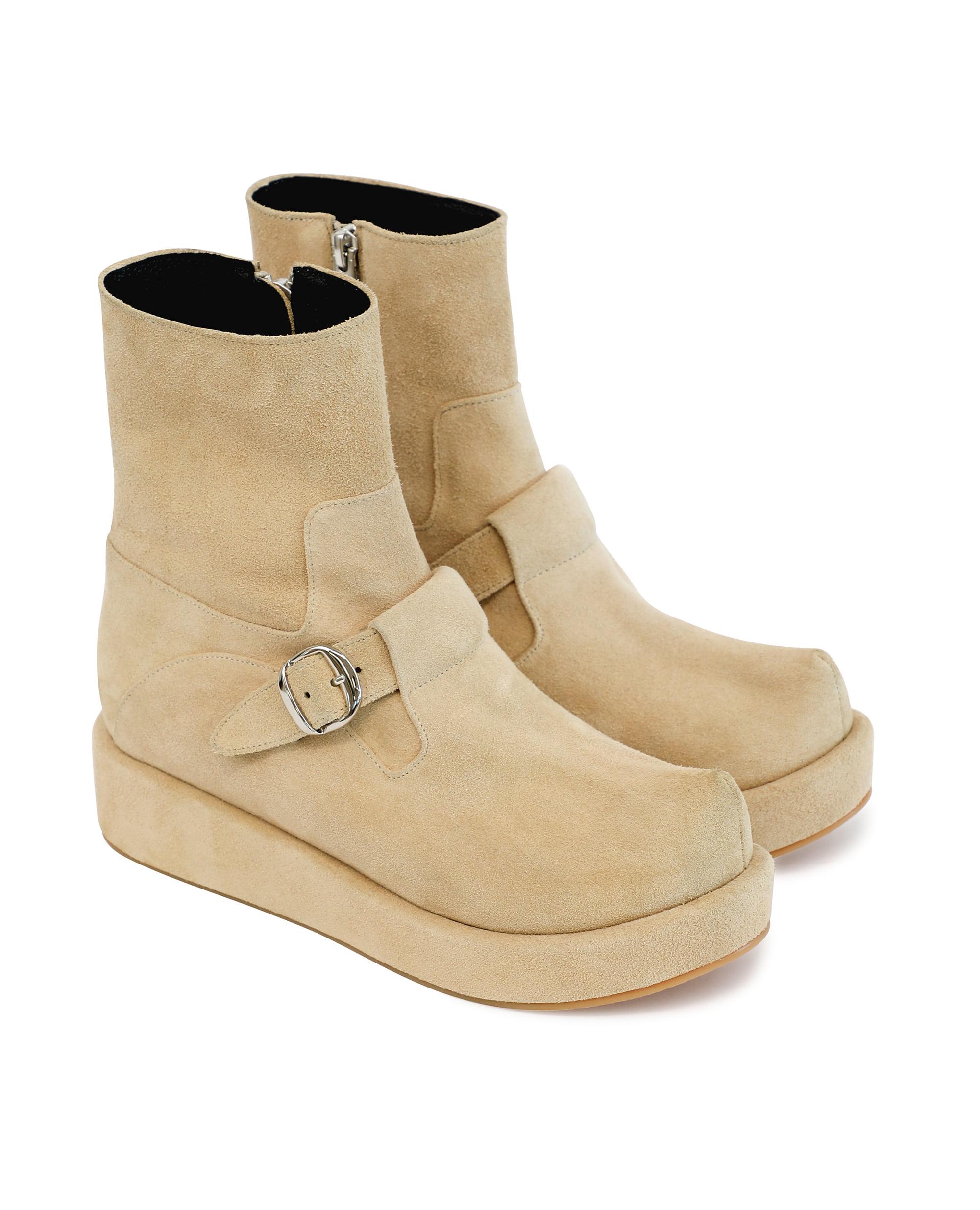 플랫아파트먼트, FLAT APARTMENT, 플랫아파트먼트 신발, FLAT APARTMENT SHOES, suede shoes, suede, suede boots, suede ankle boots suede platform boots, 스웨이드 부츠, 스웨이드 신발, 스웨이드 앵클 부츠, 스웨이드 슈즈, pointed toe, pointed toe shoes, pointed toe boots, t-bar shoes, platform, platform shoes, platform boots, pointed toe buckle boots, buckle boots, unique boots, unique shoes, unique toe,  korean shoes brand, korean shoes, handmade shoes, 플랫슈즈, 부츠, 포인티드 토 부츠, t-bar boots, 뾰족 코 슈즈, 포인티트 토 슈즈, 신발, 슈즈, 구두, 뾰족 코 부츠, 버클 부츠, seoul fahsion, k fahsion, south korea shoes brand, order made shoes, 수제화, 주문제작 신발, 편한 신발
