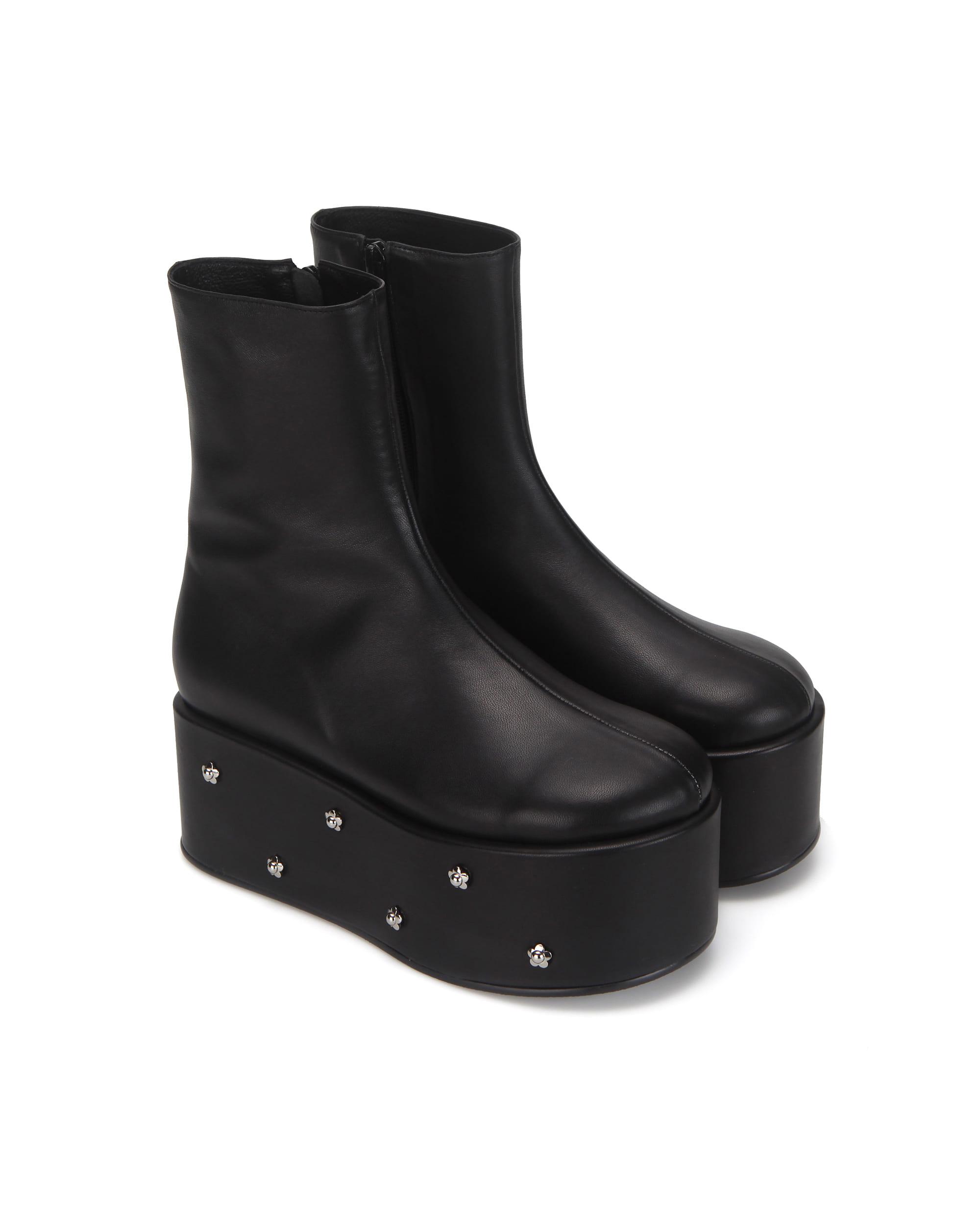 Pebble toe flower platform boots | Black