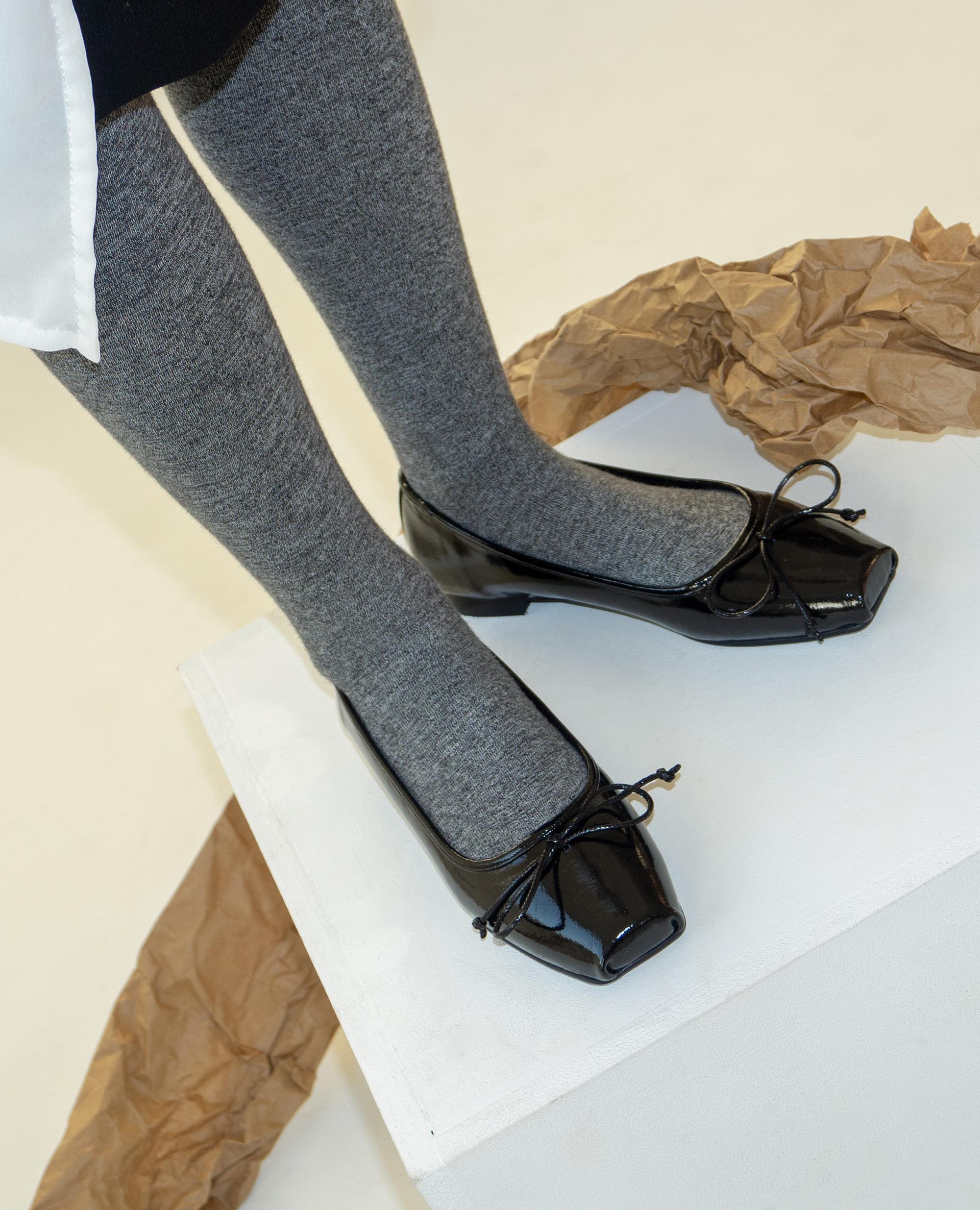 Ballet Toe Ribbon Flats | Glossy black