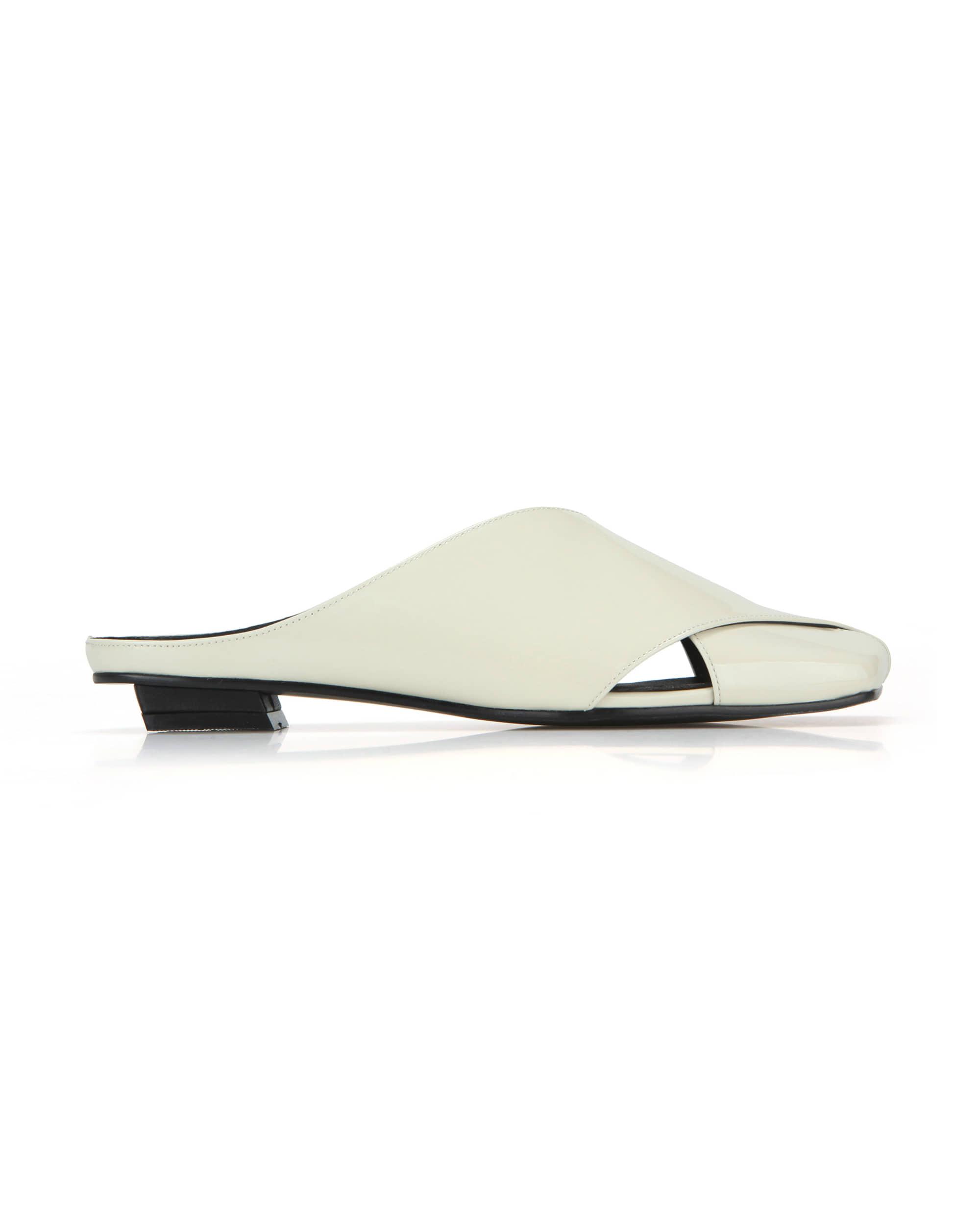 Squared toe crisscross flats | Glossy butter