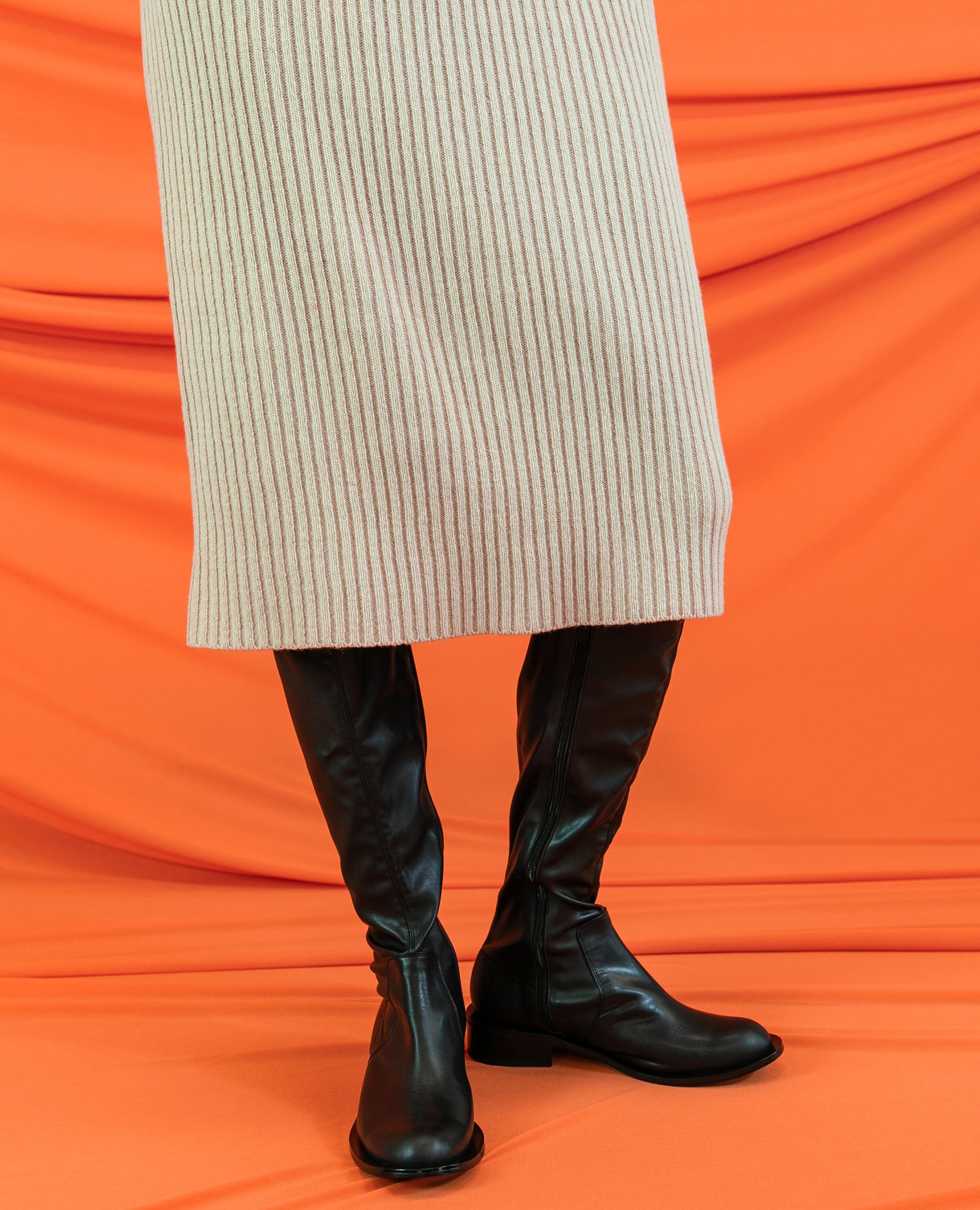 플랫아파트먼트써클, 앵클부츠, 삭스부츠, 비건레더, 하이부츠, 롱부츠, flat apartment circle, ankle boots, sock boots, vegan leather shoes, high boots, long boots