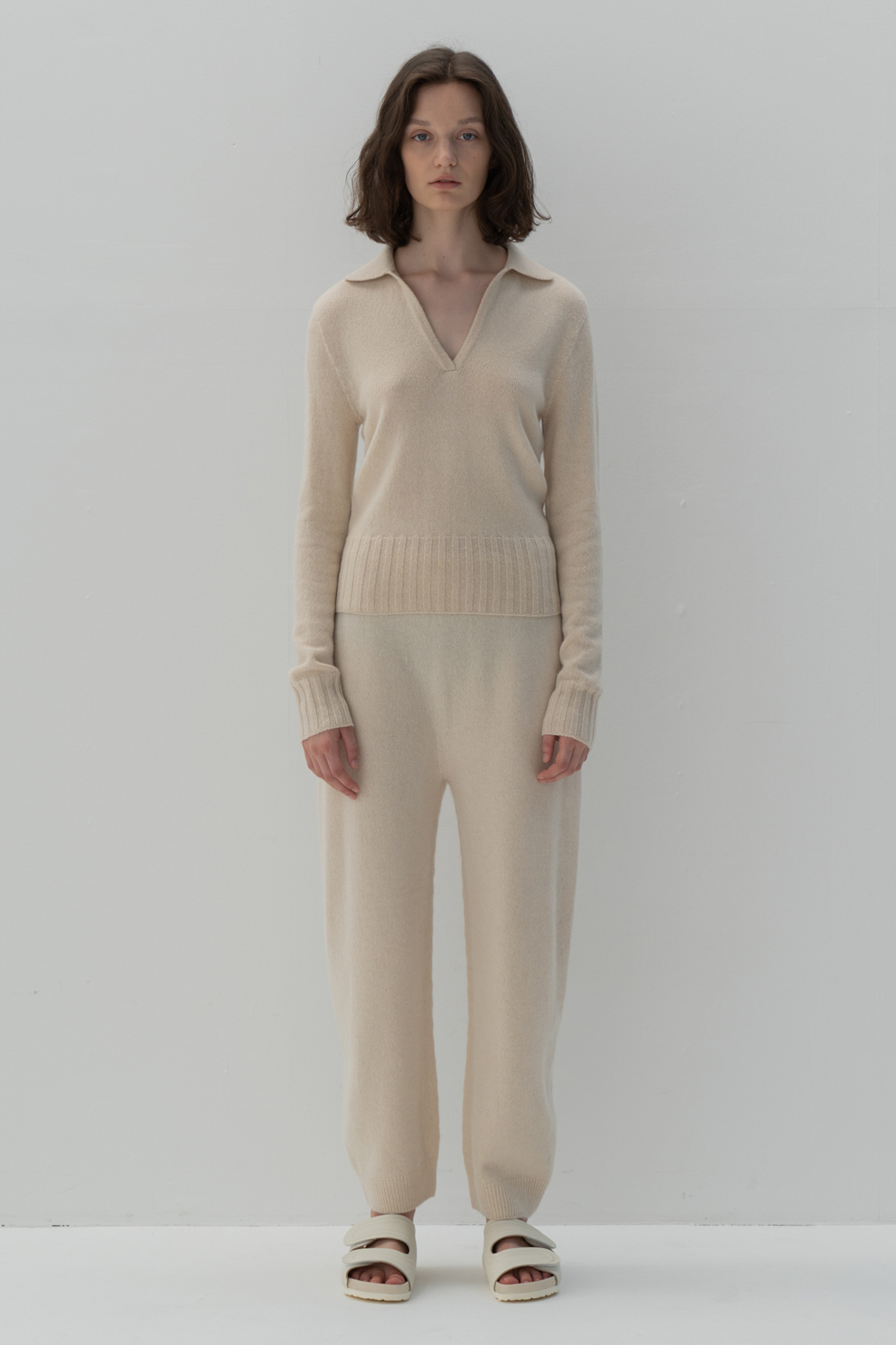 Cashmere knitted jogger trousers