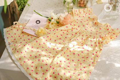 병아리 소풍가는 곳에 어여쁜 꽃들도 방긋 :) - red flower cute yellow white ribbon baby cotton dress