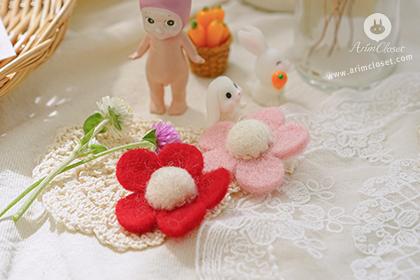 꽃 하나, 꽃 둘, 그리고 귀요미 꽃까지 셋 -wool flower pink or red point pin (1ea)