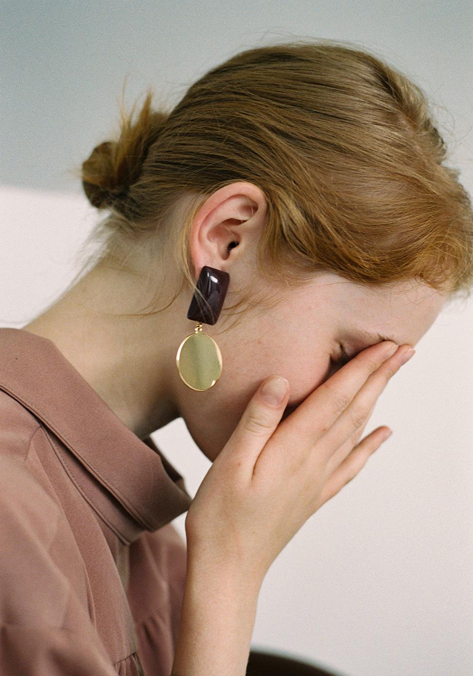 Pave Earring (burgundy)