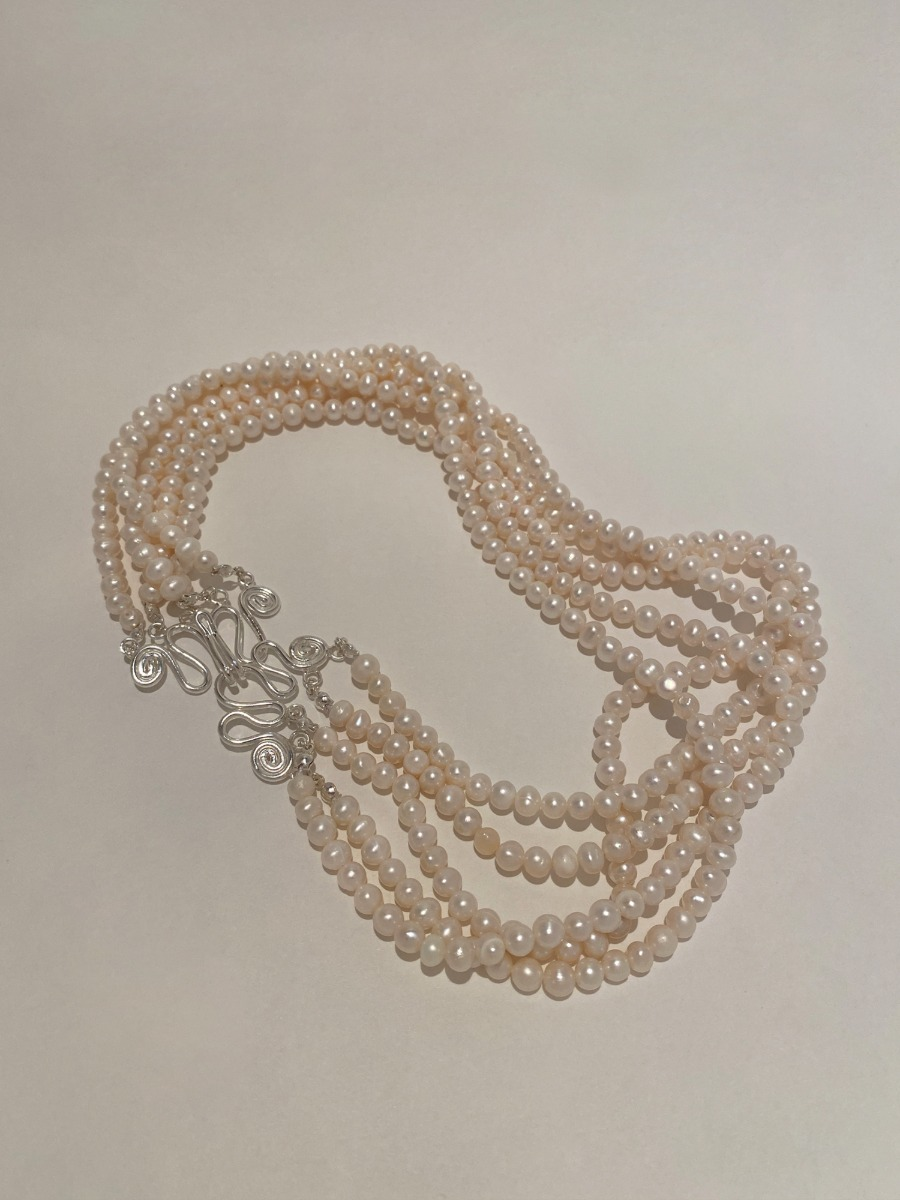 PEARLY JELLY NECKLACE