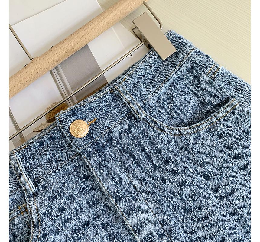 mini skirt detail image-S1L42