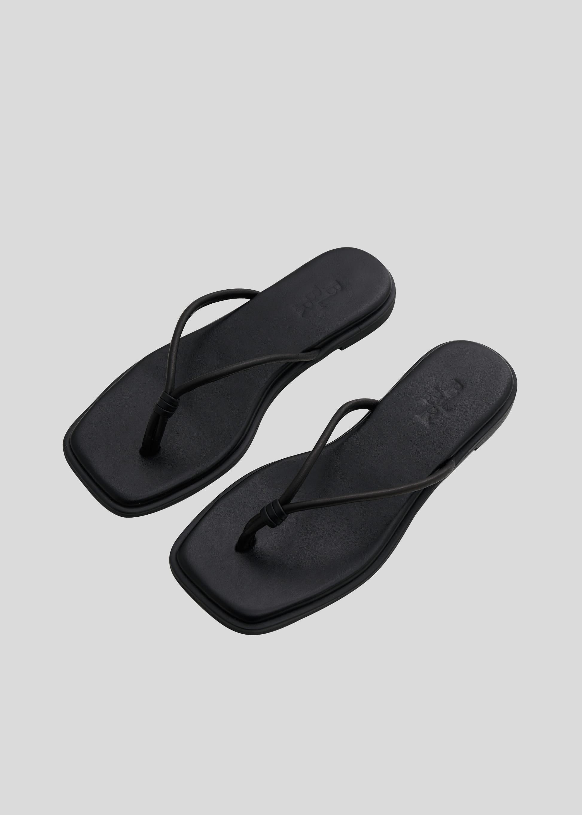 블루브릭,Cushion flip flop (black)