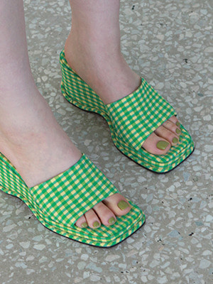 (freckle made♥)gingham check wedge mules