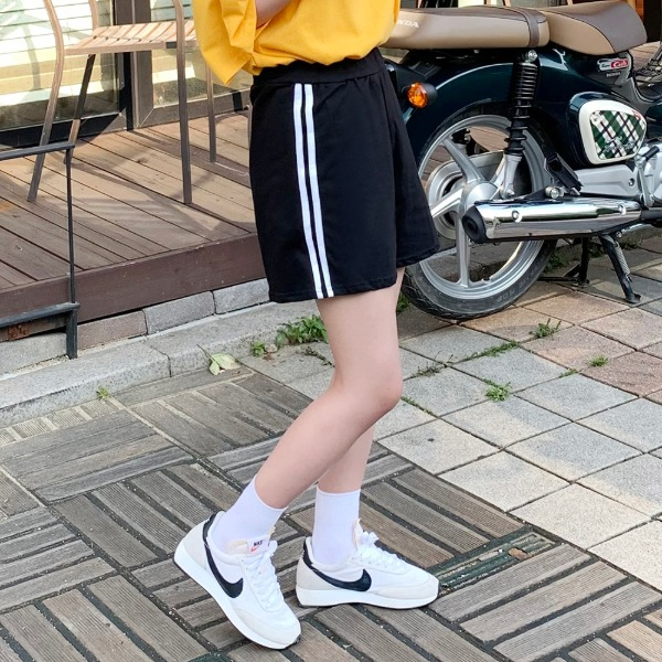 Double line training short pants