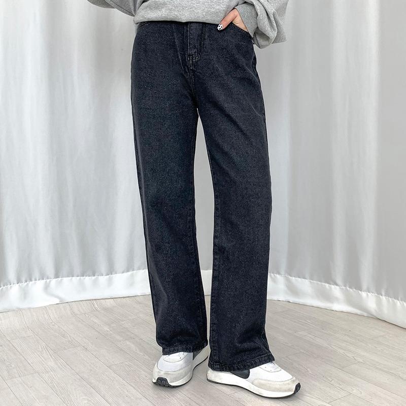 パンツ モデル画像-S1L10