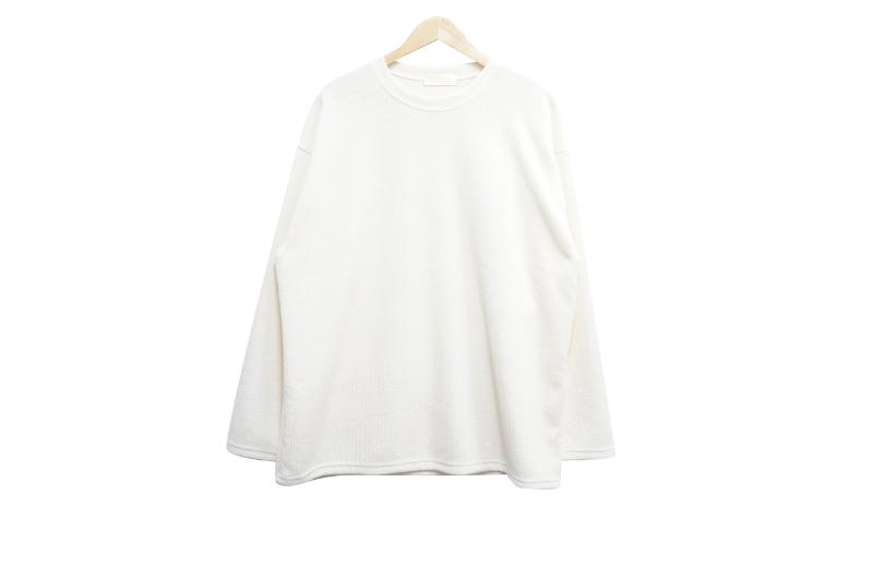 긴팔 티셔츠 화이트 색상 이미지-S1L6
