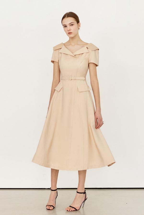 ALICE Wide v-neck notched collar dress (Light beige)