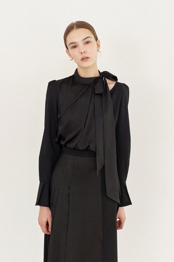 TARA Tie neck layerd flare dress (Black)