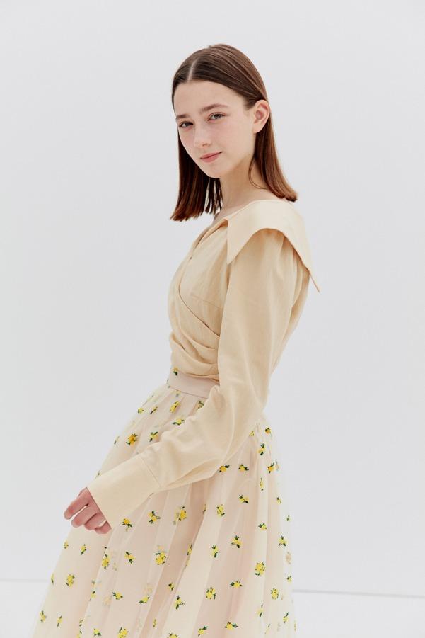 ELLIE V-neck shirred blouse (Butter)