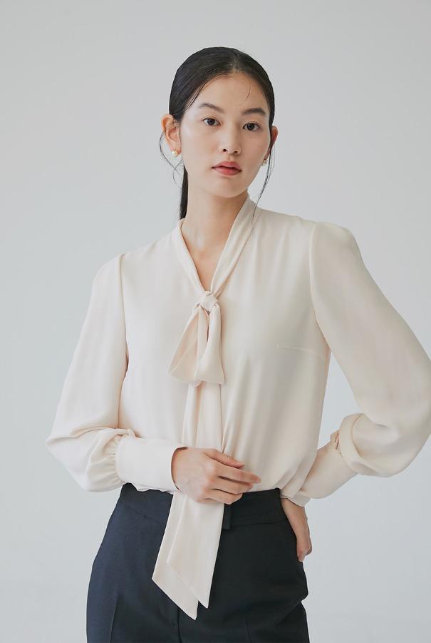 [11/4 예약배송]KALI Ribbon tie long sleeve blouse (Pink Ivory)