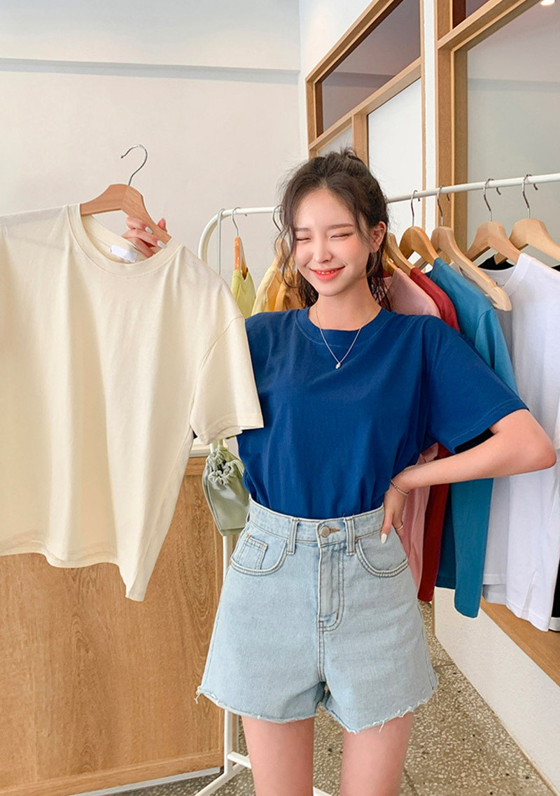 Basic But Essential Round T-Shirt_H65158